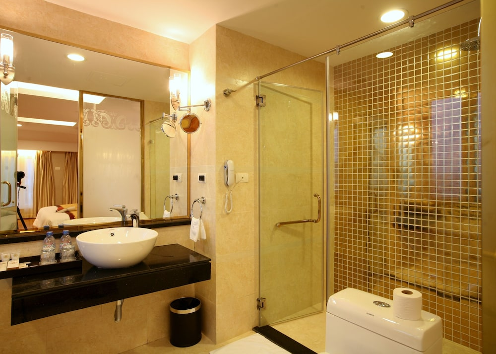 티란트 호텔(Tirant Hotel) Hotel Image 29 - Bathroom