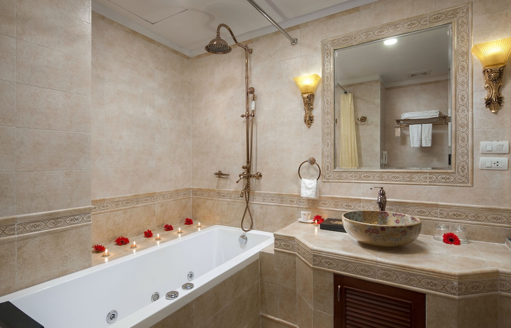 티란트 호텔(Tirant Hotel) Hotel Image 62 - Bathroom