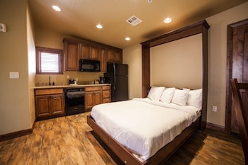 Classic Suite with Wall Bed