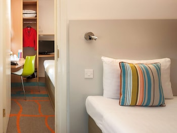 Room, 1 Queen Bed, Connecting Rooms (The Interconnecting Queen)