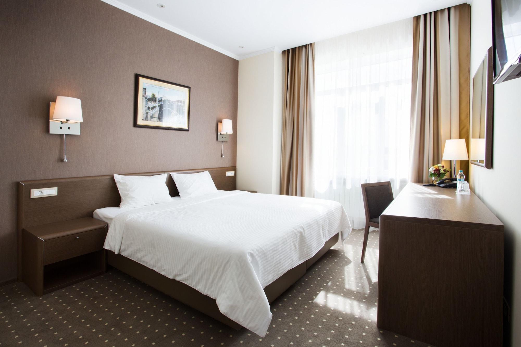 Aleksandrovskiy Hotel, Odes'ka