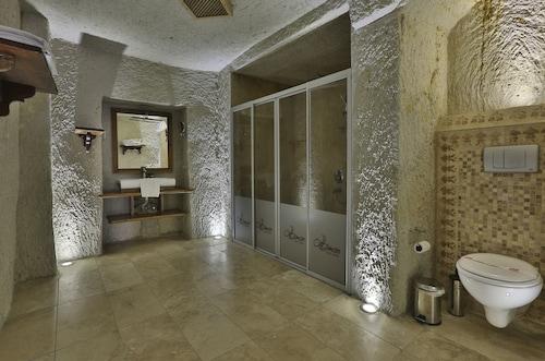 Ottoman Cave Suites, Merkez