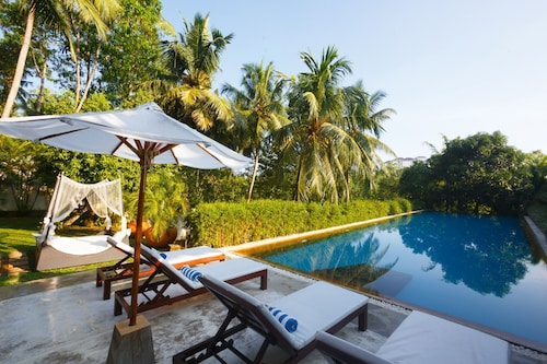 __{offers.Best_flights}__ Tamarind Hill by Asia Leisure