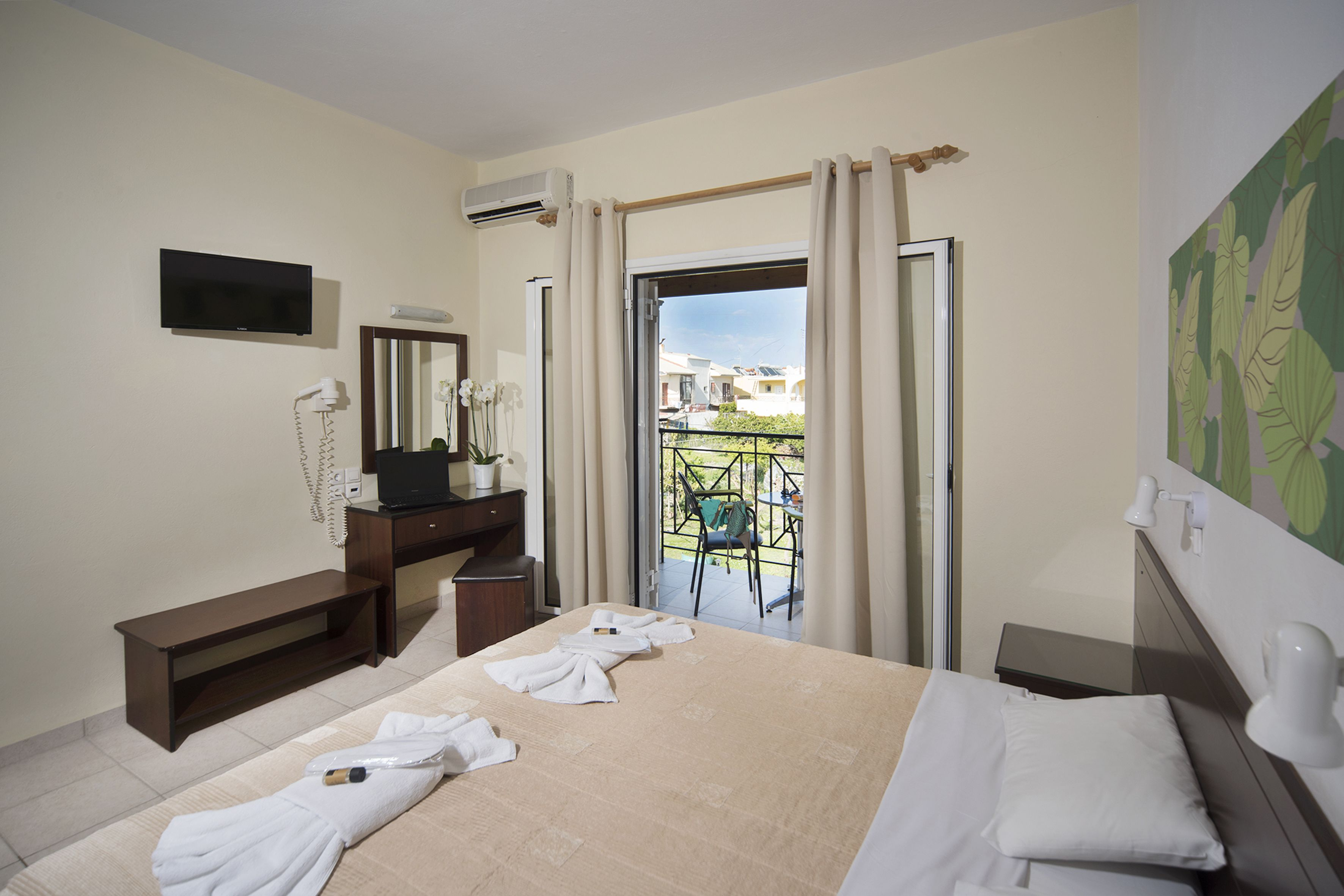 Metaxa Apartments