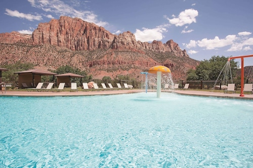 . La Quinta Inn & Suites by Wyndham at Zion Park/Springdale