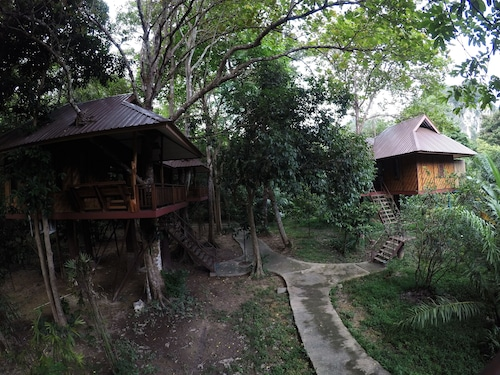 Baan Khao Sok Resort, Phanom