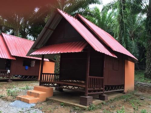 Khao Sok Evergreen House, Phanom