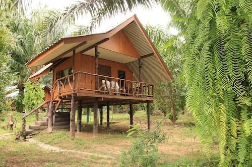 Khaosok Palmview, Phanom