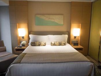 デラックス ルーム キングベッド 1 台|インターコンチネンタルホテル大阪