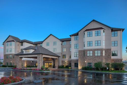 . Homewood Suites by Hilton Carle Place - Garden City, NY