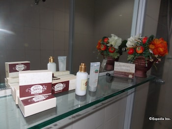 The Suites at Calle Nueva Bacolod Bathroom Amenities