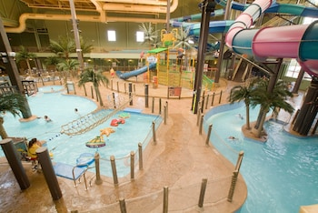 Hotel - Maui Sands Resort & Indoor Waterpark