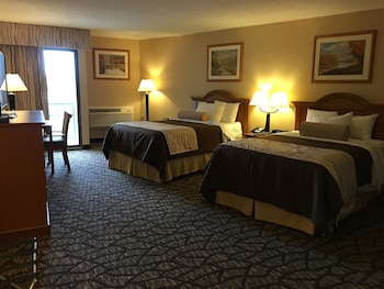 Standard Room, 2 Queen Beds, Non Smoking, Jetted Tub (Oversized Room)