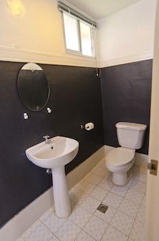 Camp Holiday Resort & Recreation Area Davao Bathroom