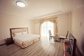 Clarkk Renaissance Hotel Clark Guestroom