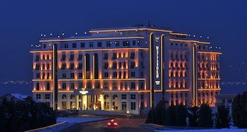 Hotel - Wellborn Luxury Hotel