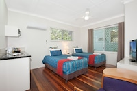 Twin Studio at Gold Coast Airport Accommodation - La Costa Motel in Bilinga