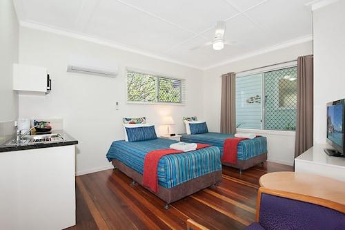 Gold Coast Airport Accommodation - La Costa Motel, Bilinga-Tugun