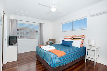 Guestroom at Gold Coast Airport Accommodation - La Costa Motel in Bilinga
