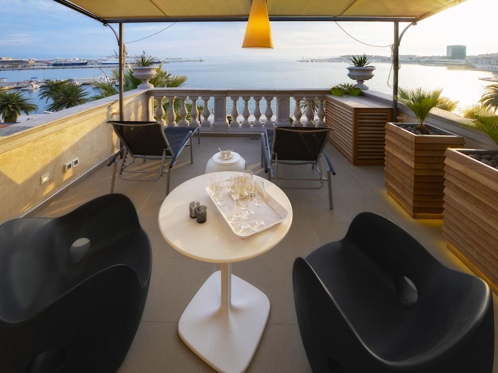 Riva Luxury Suites