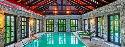 . Aristi Mountain Resort and Villas