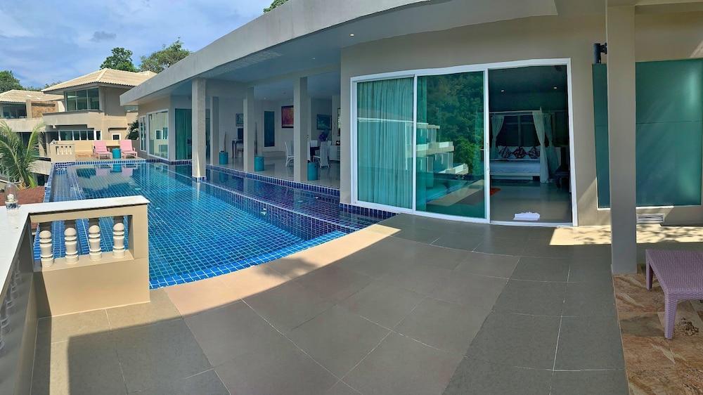 https://i.travelapi.com/hotels/6000000/5780000/5774000/5773991/4c69dd5b_z.jpg