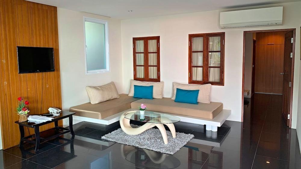 https://i.travelapi.com/hotels/6000000/5780000/5774000/5773991/603a99ea_z.jpg