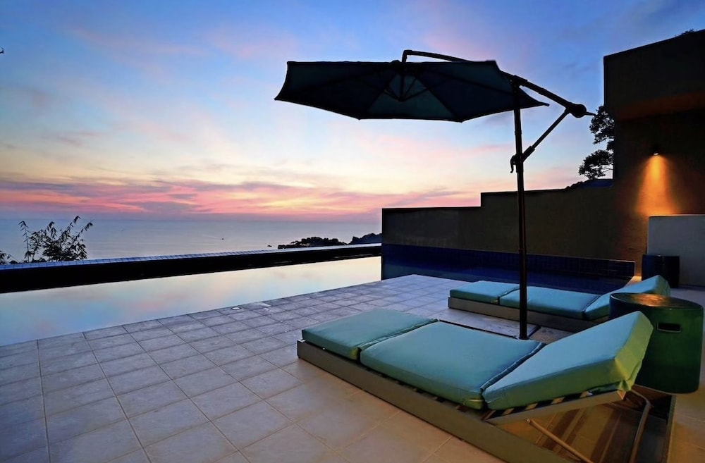 https://i.travelapi.com/hotels/6000000/5780000/5774000/5773991/920ac35f_z.jpg