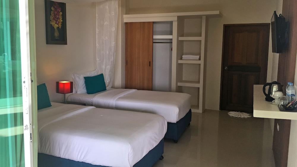 https://i.travelapi.com/hotels/6000000/5780000/5774000/5773991/ba06d1a0_z.jpg