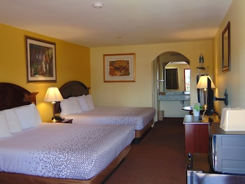 Comfort Room, Multiple Beds, Non Smoking
