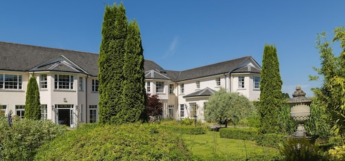 . Nuremore Hotel And Country Club