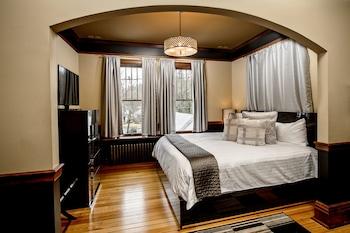 North Travelers King & Queen Suite