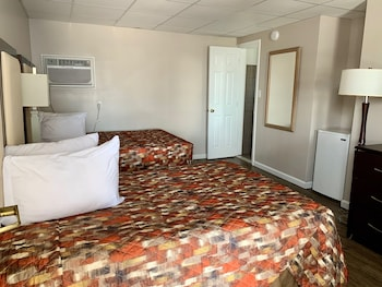 Economy Room, 2 Double Beds