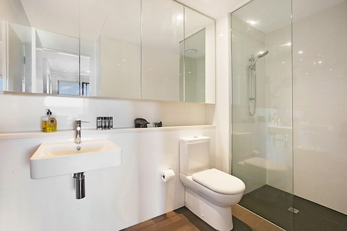 Darwin Waterfront Apartments, City - Inner