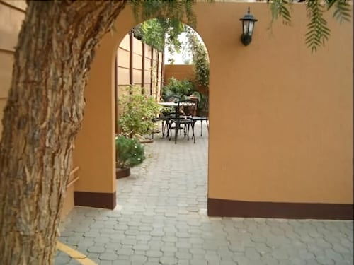 Hotel Etambi Garni, Windhoek West