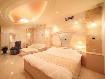 スタンダード ルーム キングベッド 1 台 (Couples Hotel)|50㎡|ホテルファインガーデン松山店 - 大人限定