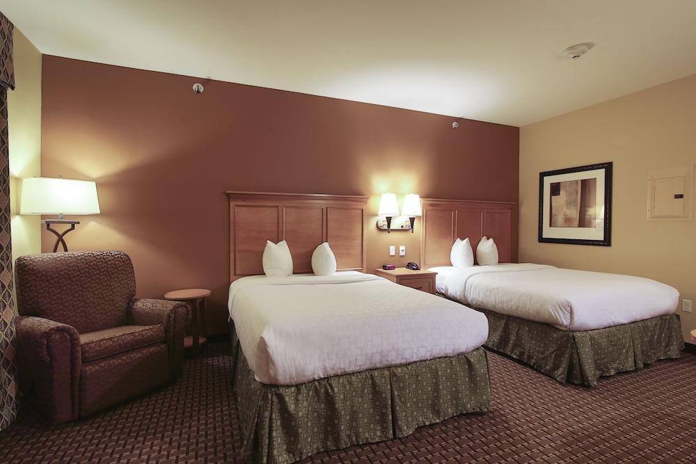 수리 밸리 스위트(Souris Valley Suites) Hotel Image 6 - Guestroom