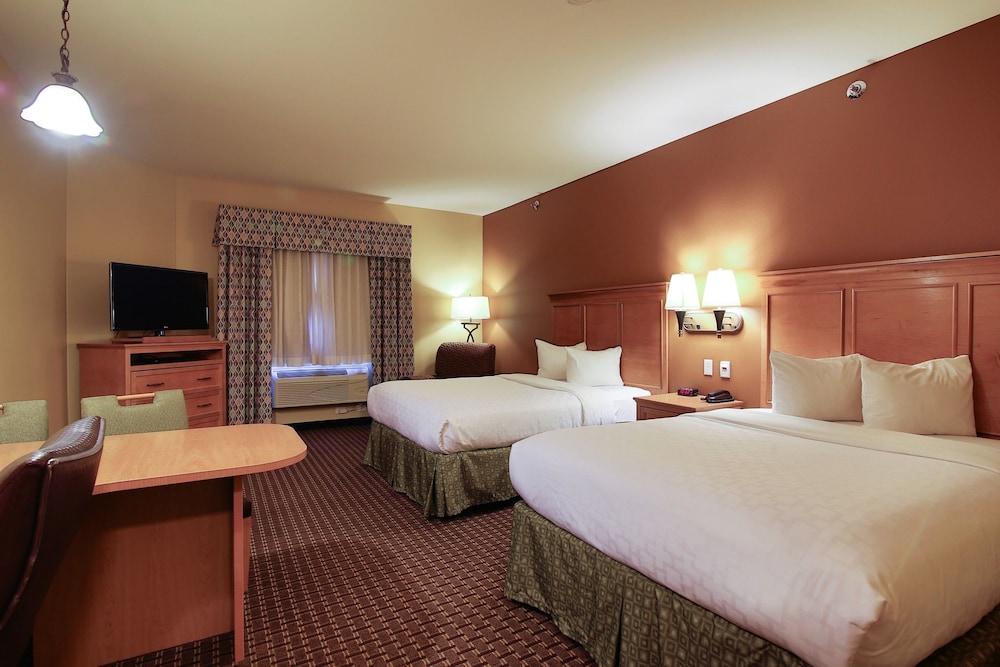 수리 밸리 스위트(Souris Valley Suites) Hotel Image 11 - Guestroom