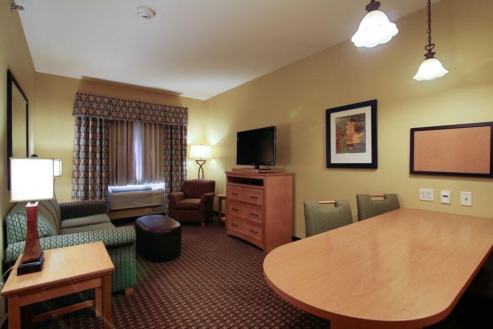 수리 밸리 스위트(Souris Valley Suites) Hotel Image 16 - In-Room Kitchen