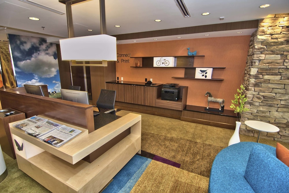 Business Center 16 of 61