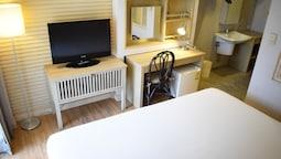 Premium Double Or Twin Room, 1 Bedroom, Garden View, Poolside