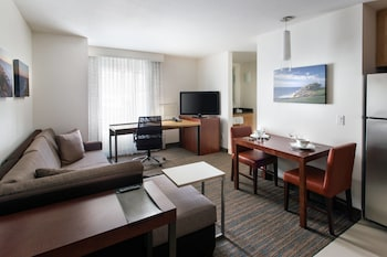 Guestroom at Residence Inn San Diego Del Mar in San Diego