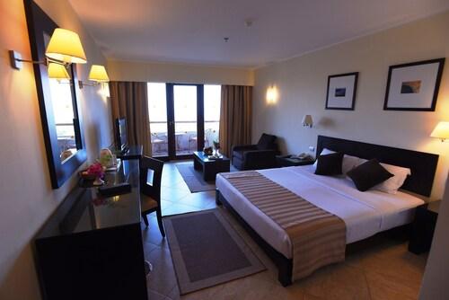 Fort Arabesque Resort, Spa & Villas - All Inclusive, Safaja
