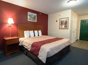 Suite, 1 Queen Bed, Non Smoking, Kitchen