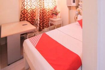 Manila Venetian Hotel Guestroom
