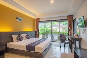 Deluxe Double Room, Pool View
