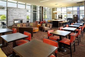 克里弗蘭大學圈萬怡飯店 Courtyard by Marriott Cleveland University Circle