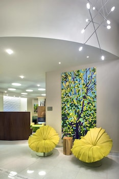 Lobby at SpringHill Suites by Marriott New York Midtown Manhattan in New York