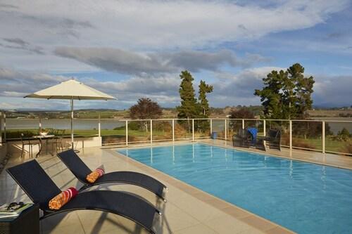 Almyra Waterfront Accommodation, Tasman