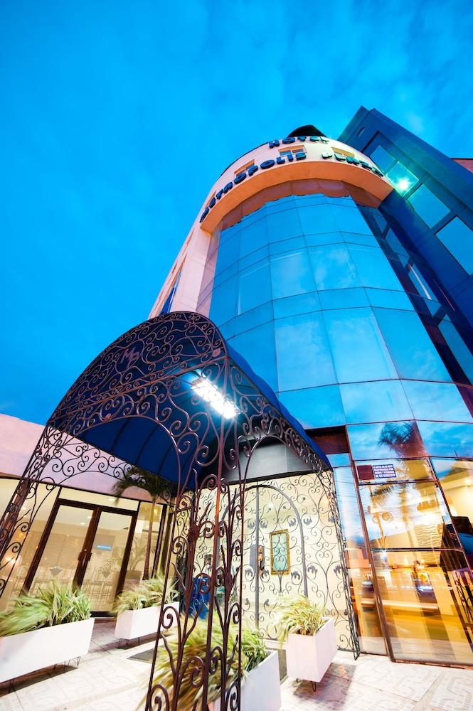 Hotel Hotel Metropolis Plaza